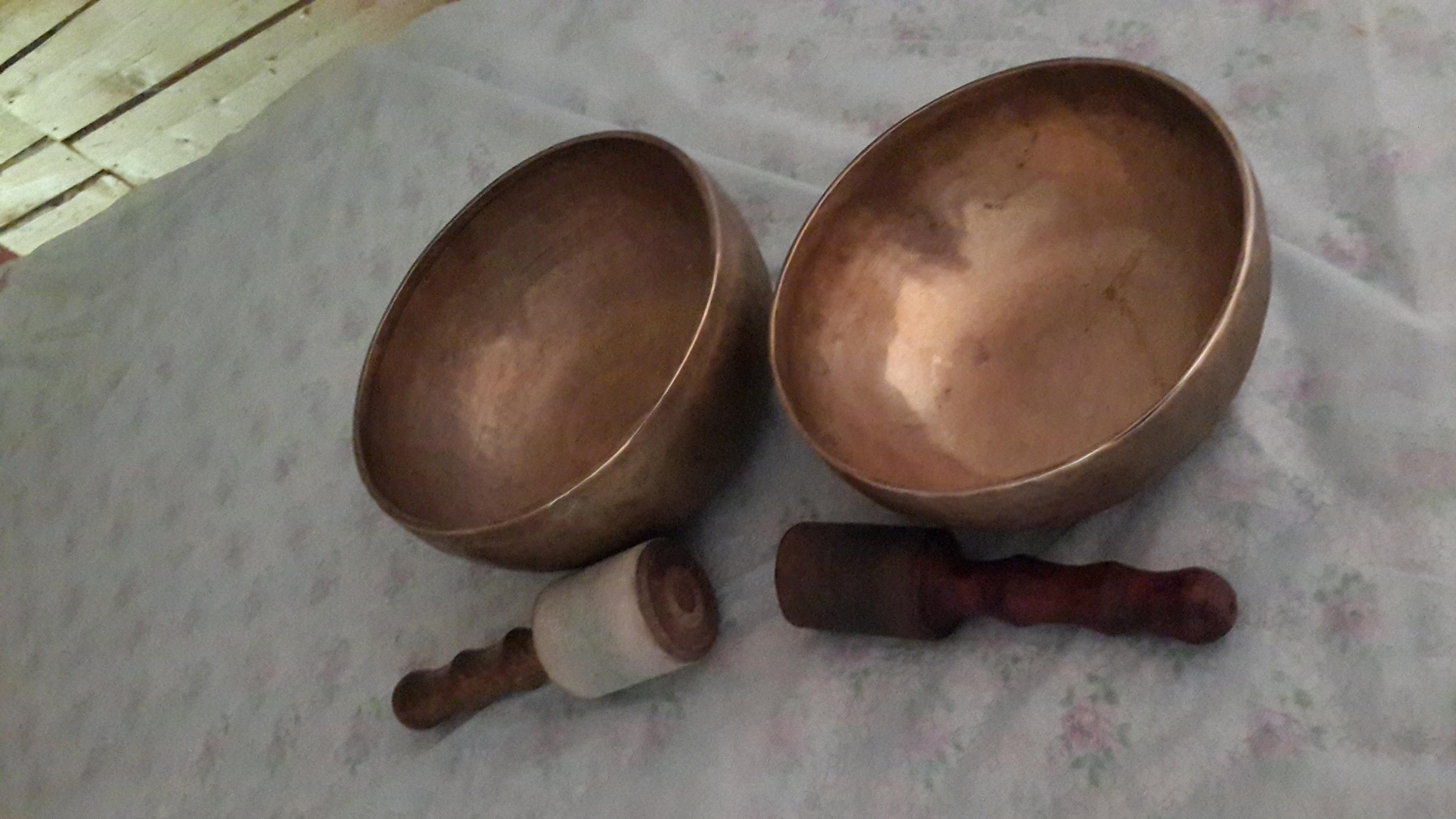 Тибетские поющие чаши на озере ДАНИЛОВО.  Личный опыт применения.